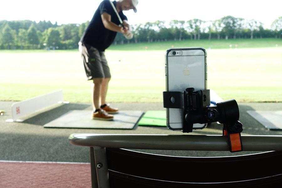 こりゃ便利! ゴルフメーカーが作った自撮り用スマホスタンド