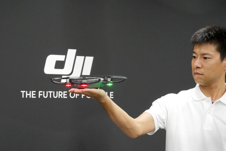 ドローンデビューに最適な「DJI SPARK」が登場! 手のひらサイズでスマホも不要