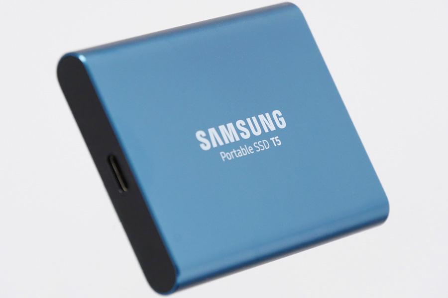 コンパクトでも速い、サムスンの新型ポータブルSSD「T5」の実力をチェック!