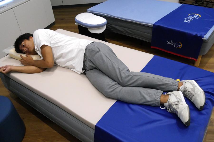 「寝てない自慢」は時代遅れ! 満足度97%の低反発マットレスの新作を試してきた