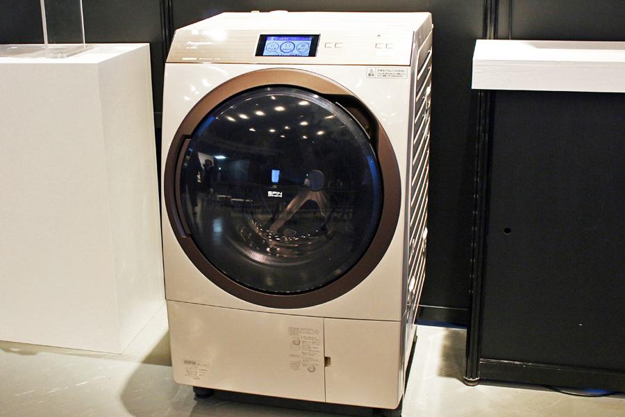 手間なしを追求! 洗剤や柔軟剤を自動投入してくれるパナソニックのドラム式洗濯乾燥機