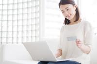 ネットショッピングがお得に楽しめるクレジットカードは?