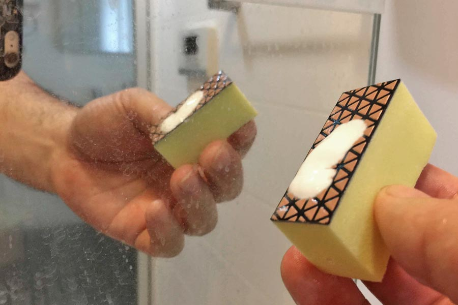 比べてわかった! お風呂の鏡の水垢を取り去る最強クリーナーはコレだ!!