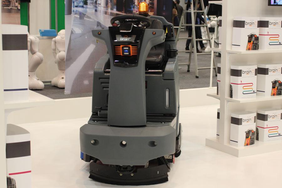ソフトバンクロボティクスの最新ロボット事情