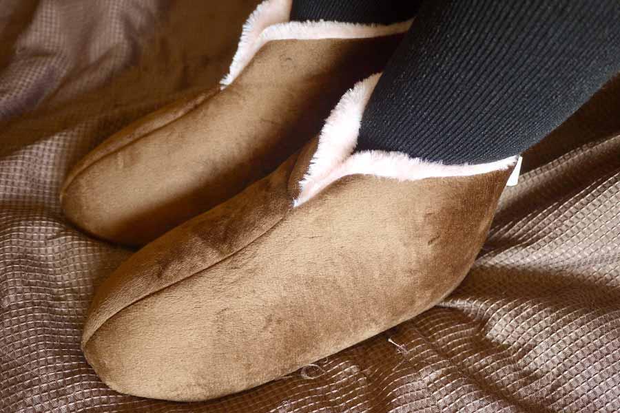 足の冷えよさらば! 「桐灰」のくつ下&スリッパがめちゃめちゃ暖かい