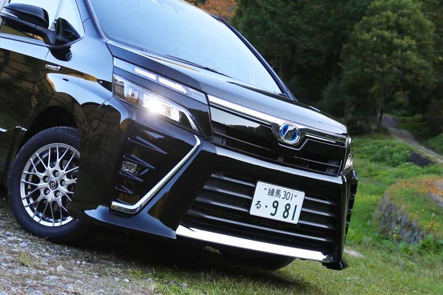 トヨタ 新型「ヴォクシー ZS ハイブリッド」フロントフェイス