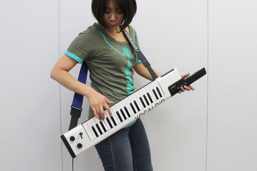 初音ミクになれる!? ヤマハ「ボーカロイドキーボード」を弾いて(歌って)みた