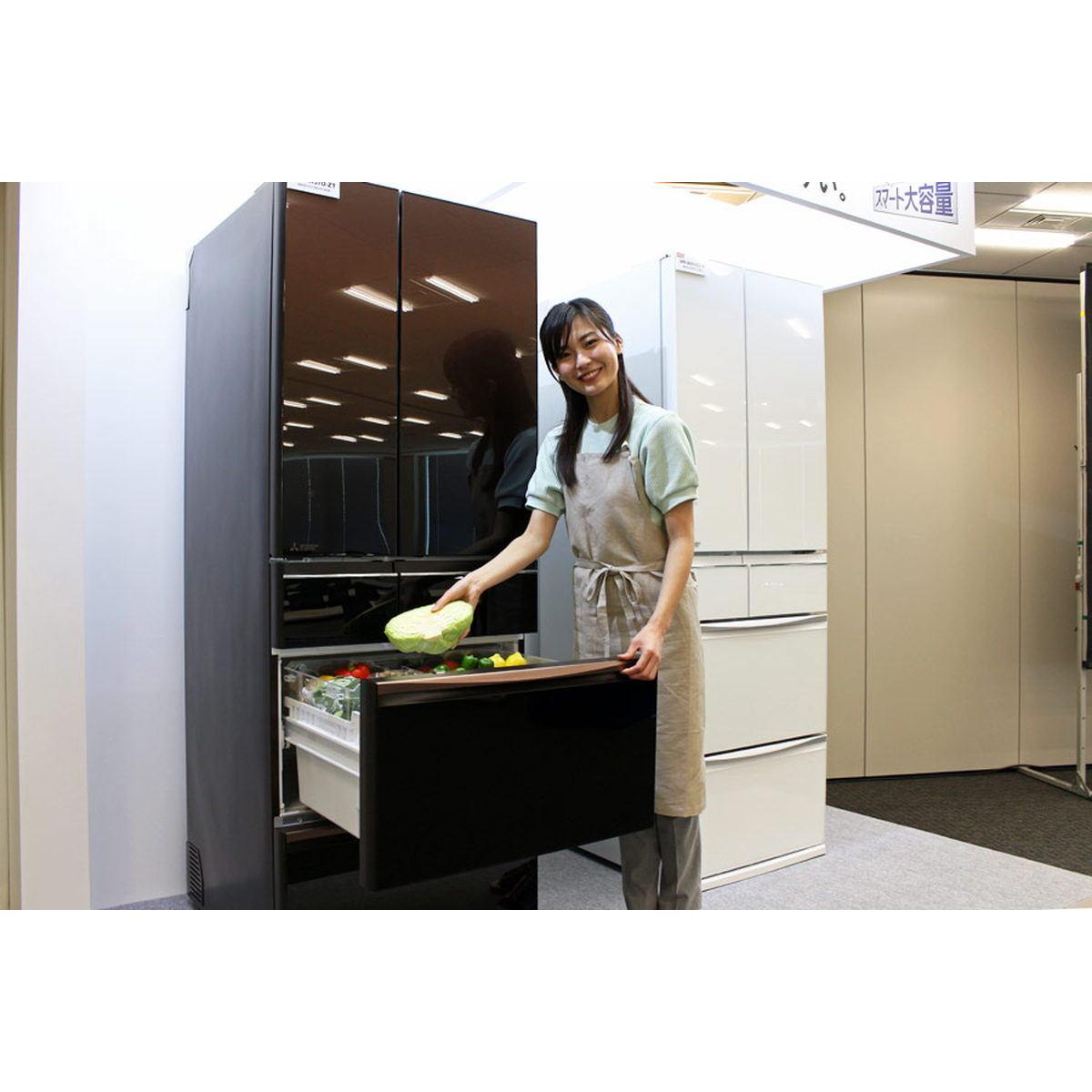 """野菜をよく使う人はうれしい! 三菱電機の""""真ん中野菜室""""冷蔵庫「MXシリーズ」は使い勝手がイイ!!"""