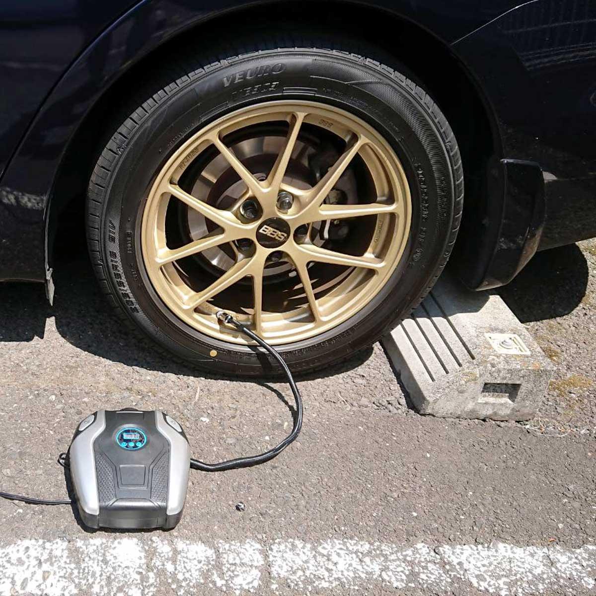 月に一度は点検を! 一車に一台あるといい、車用電動空気入れ