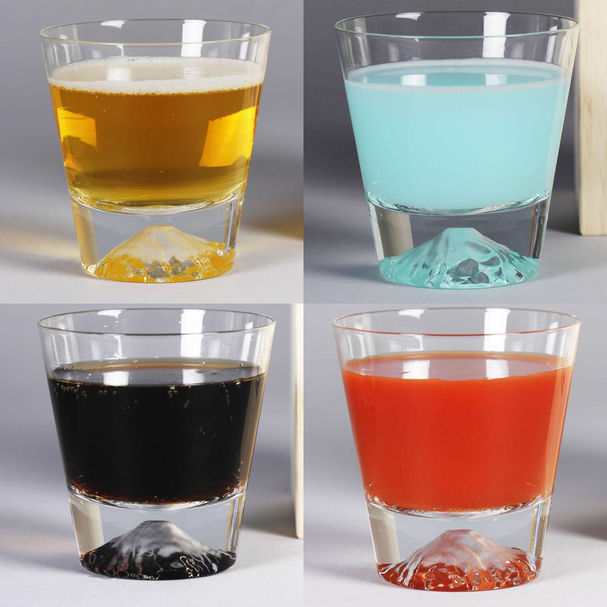 飲み物で色が自在に変化する「富士山グラス」が美しすぎる