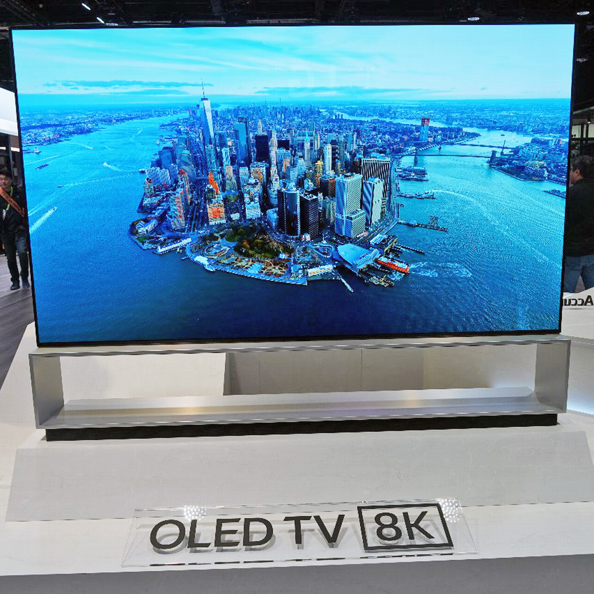 CES 2019会場で見つけた8K、有機ELテレビなど映像関連製品をまとめてチェック!