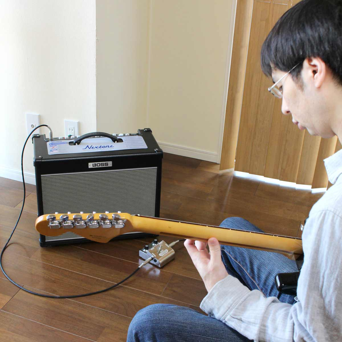 """自宅に置く価値あり! BOSSのギターアンプ「Nextone Stage」の""""真空管ロマン""""がアツい"""