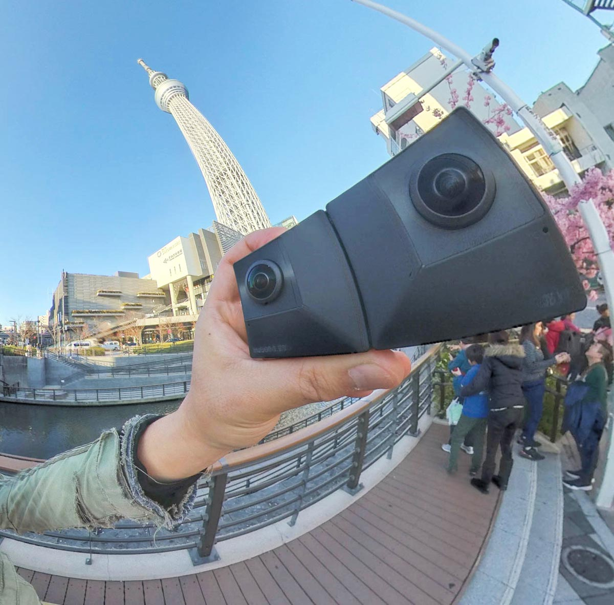180°VR&360動画を撮影できる変幻自在のカメラ「Insta360 EVO」最速レビュー