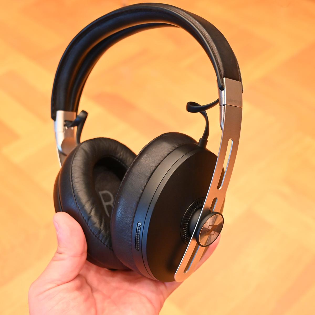 ゼンハイザーのノイキャンヘッドホン「MOMENTUM Wireless」の第3世代モデルがついに登場