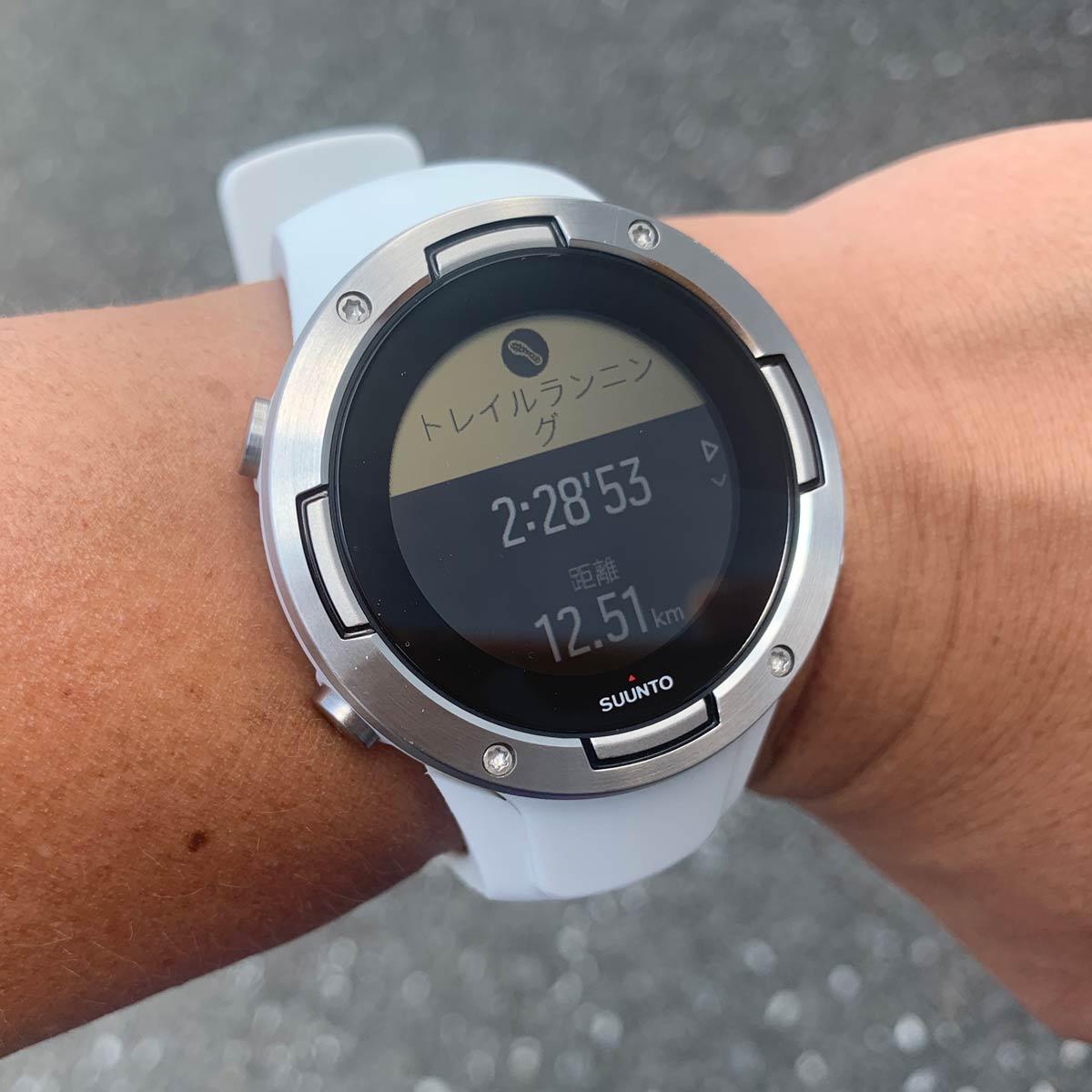 GPSウオッチ「スント5」はお手頃価格なのに高級感がハンパない!