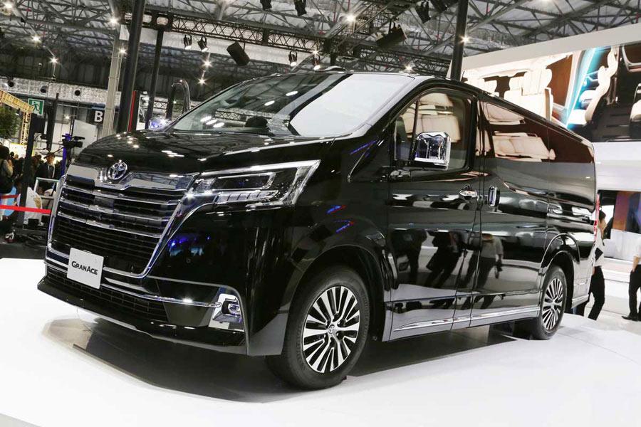 アルヴェルよりもでかい!国内最大級の高級ワゴン、トヨタ 新型