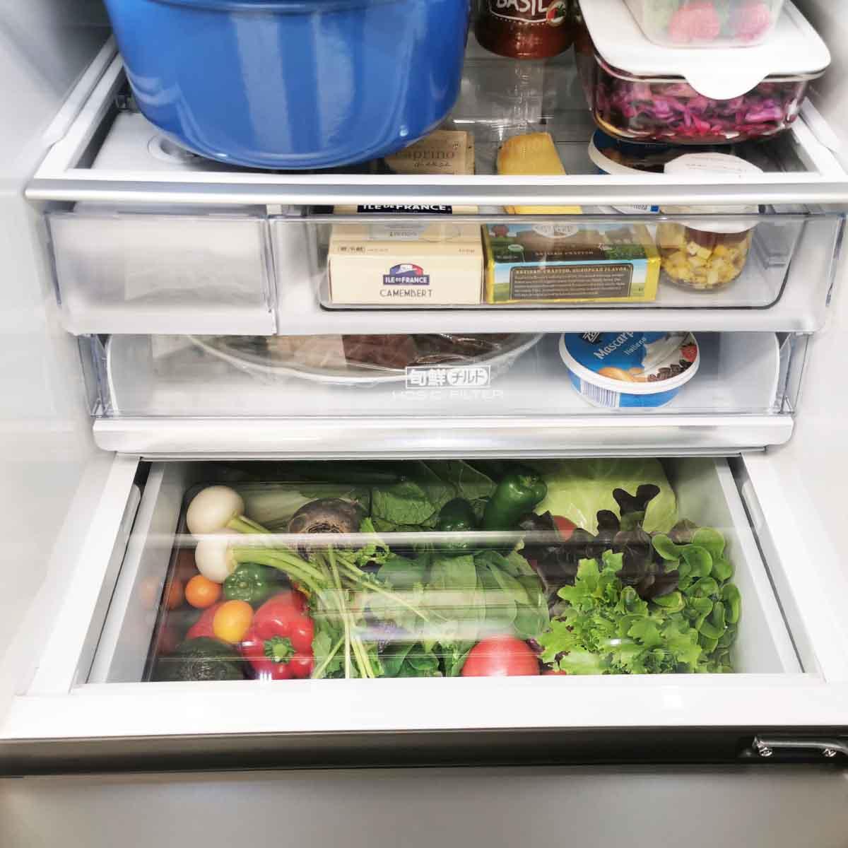 これは斬新! 「冷蔵室から野菜室が見える」アクアの冷蔵庫「デリエ」シリーズ