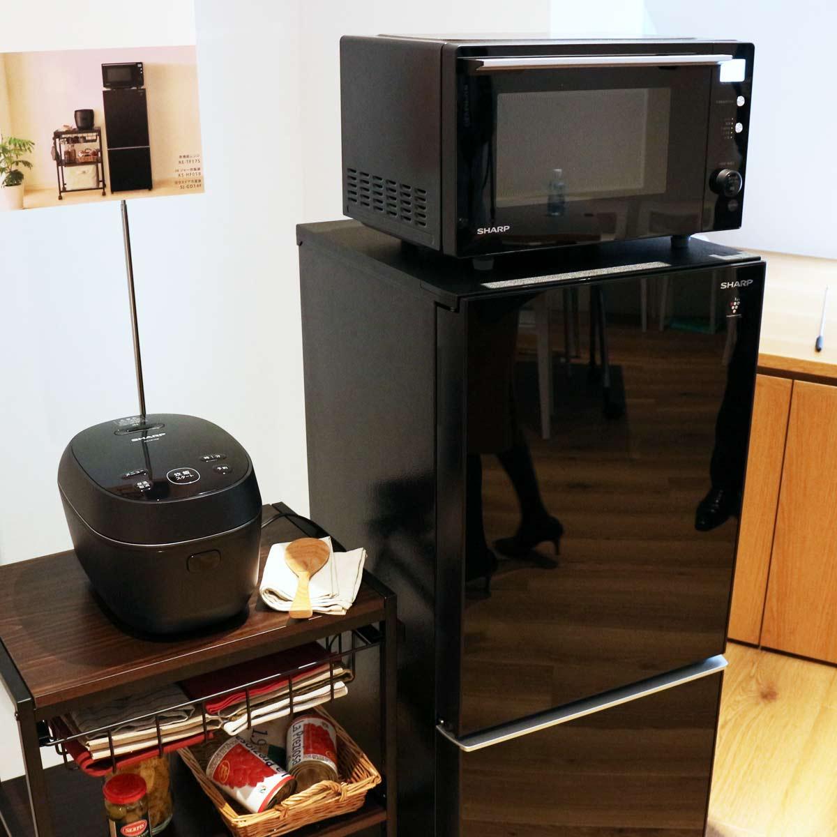 """デザインも性能もいい!シャープ「PLAINLY」シリーズの""""炊飯器の神様""""が開発したIH炊飯器を見てきた"""