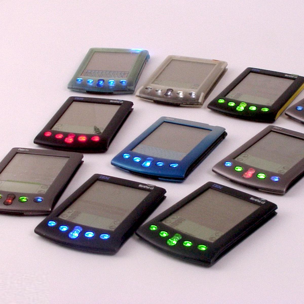 「オフ会で見せびらかすためにPalmを光らせる」PDA改造を通して見えたガジェット愛
