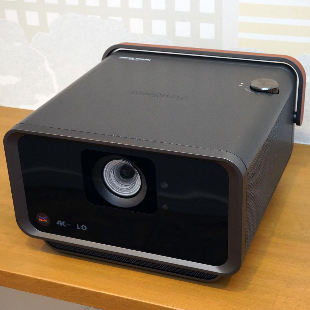 高画質+高音質が1台で揃うビューソニックの4Kプロジェクター「X10-4K」は結構スゴいかも!