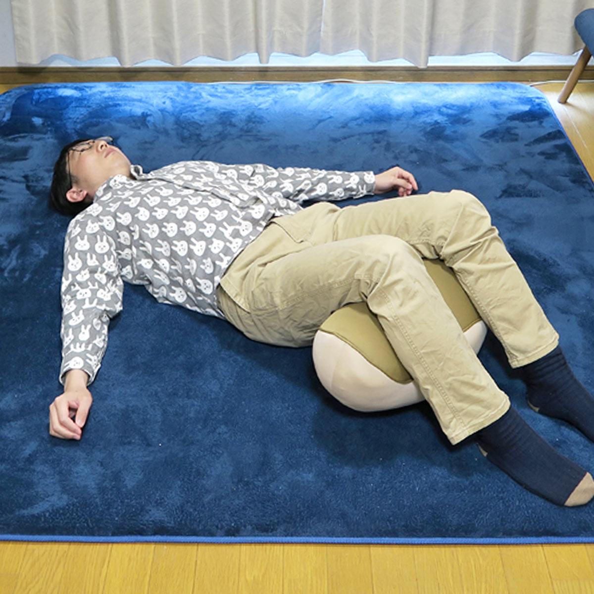 """リモートワークは""""腰""""がつらい! 指圧師が教える腰痛解消のコツ"""