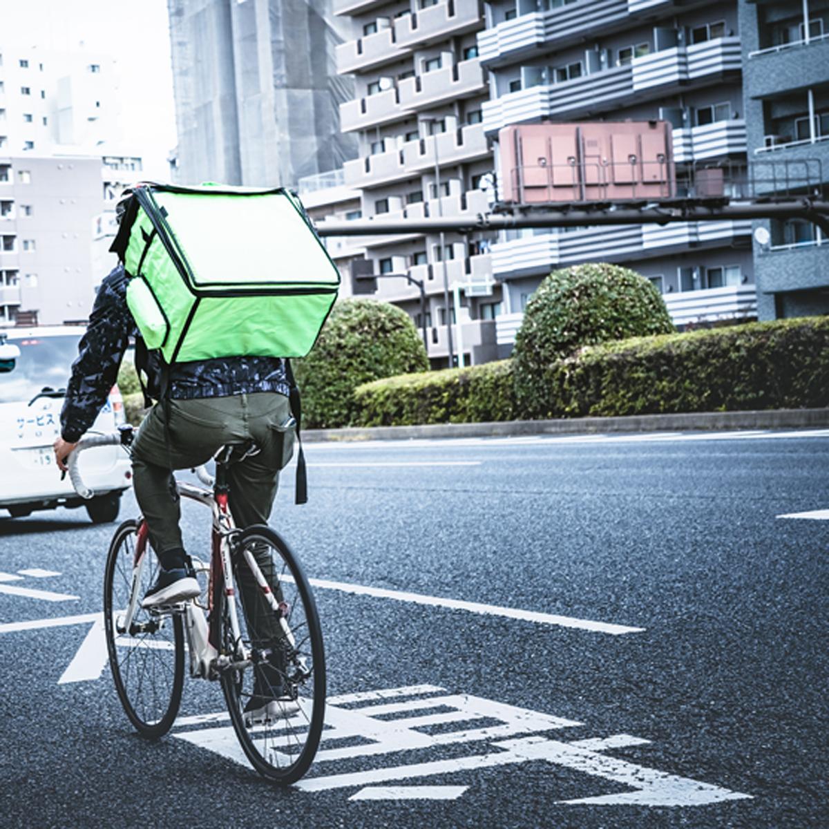 自宅で外食! 「テイクアウト&デリバリー」の便利なサービスが盛況!