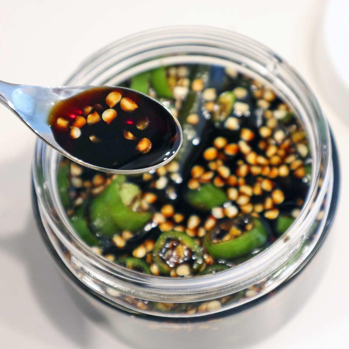 ピリ辛味が夏にぴったり! ハマる人続出の「青唐辛子しょう油」はどうやって作る?