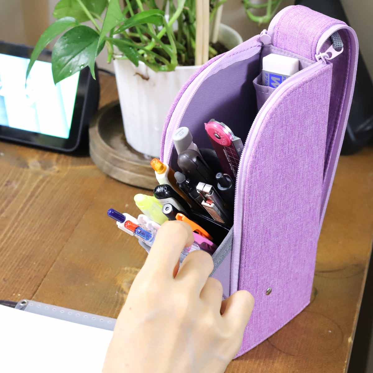 「除菌シート入れ」付きも! 超取り出しやすい最新の「機能派ペンケース」3傑