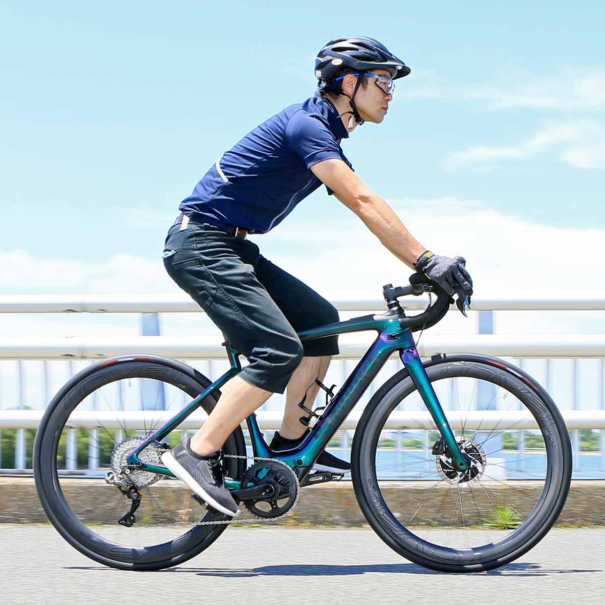 ロードバイク乗りが思い描く理想のe-Bikeかも!? スペシャライズド「S-WORKS TURBO CREO SL」