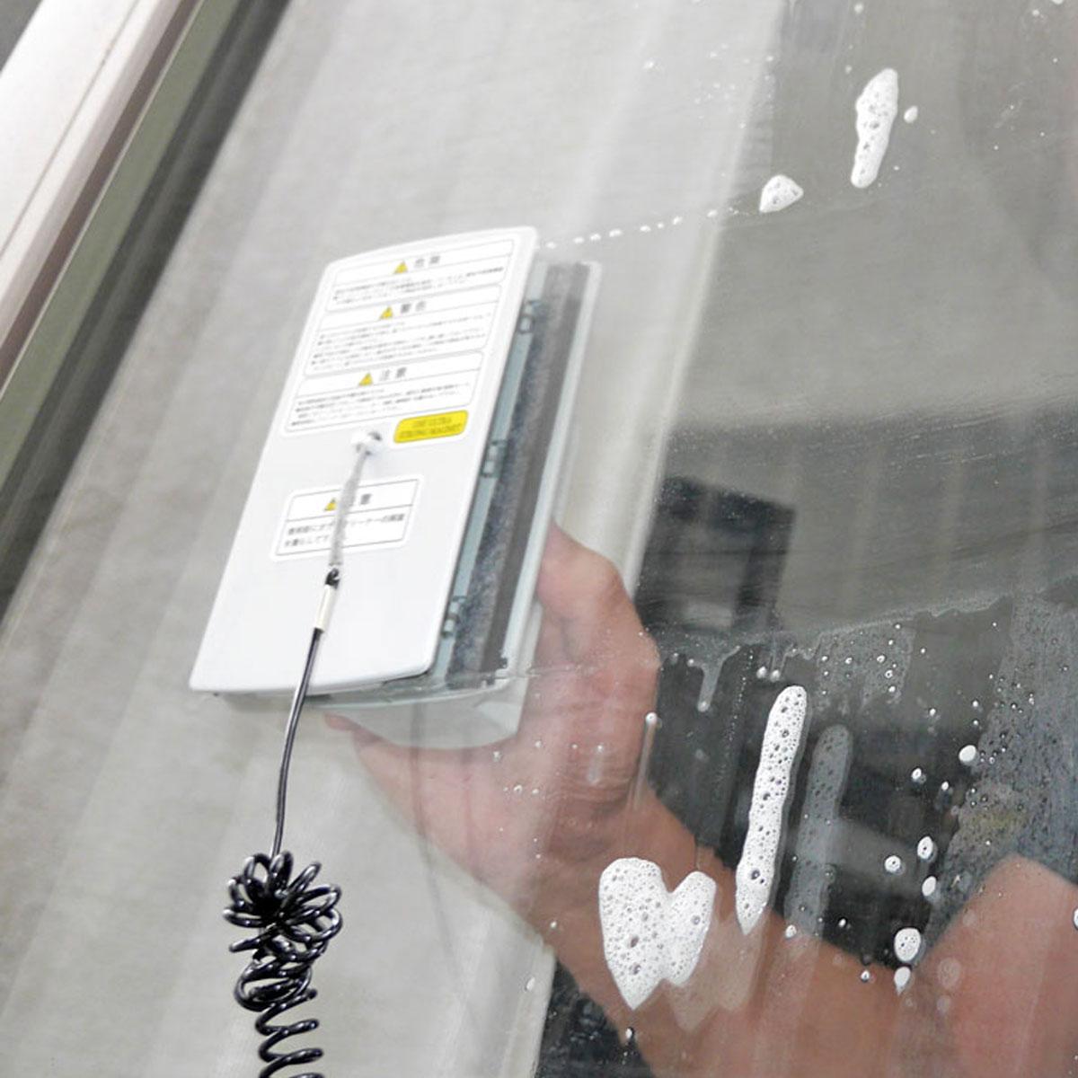 窓の内側と外側を同時に拭ける!? 「両面ガラスクリーナー」でピカピカに♪