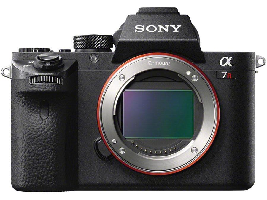 ソニーから、4240万画素のフルサイズ一眼「α7R II」や、4K動画対応の1型センサーカメラ「RX10 II」などが登場