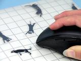マウスを動かすとネコが逃げ回る!遊び心がつまったマウスパッド