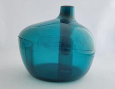 変幻自在。花瓶にも小物入れにもなるマルチインテリア