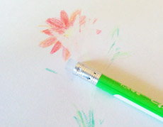 """ボールペンだけじゃない! 擦ると消える""""フリクション""""色鉛筆"""