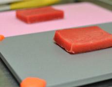 冷凍食品をおいしく素早く解凍する「板」が普通にすごい