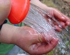 水に太陽光を当てて温水シャワーになるのか試した結果