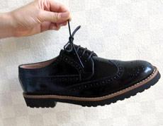 結び目に数滴垂らすだけ! 靴紐がほどけにくくなる魔法の液体