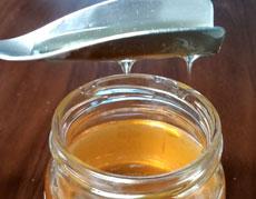 たっぷりすくえてキレイに切れる! ハチミツ専用スプーン