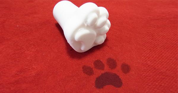 ネコの足跡を残せる♪ 肉球傘キャップで雨の日が楽しみに