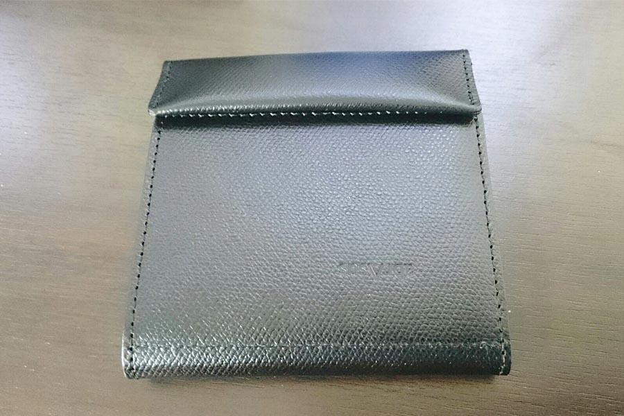 best loved 39b86 246ef 存在感0。究極に薄い財布「abrAsus」ってホントに使いやすい ...