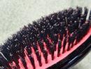 美髪も薄毛防止も、日々の天然毛のブラシでのブラッシングから。