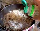 水溶き不要。振りかけるだけでOKの片栗粉が便利すぎ!