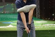 """""""体で打つ""""ってこういうことか! 目からウロコのゴルフ練習器具"""