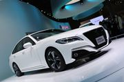 トヨタ、走行性能を向上させた新型「クラウン」を2018年夏に発売!