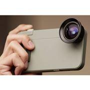 iPhoneをデジカメに変えるケース! 広角やマクロが撮れる専用レンズも