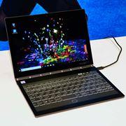 """レノボ、キーボードがE-Inkディスプレイの「Yoga Book C930」や""""スナドラ""""搭載PCを発表"""