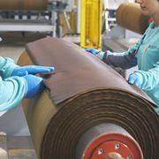 スイスの「アイコス」工場に潜入。ヒートスティックのうまさの秘密が今、明かされる!