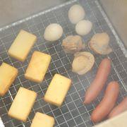 簡単でおいしい「燻製」とは? アウトドアでのやり方とイチオシ道具10選