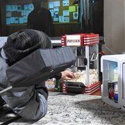 「海外ドラマ」をテレビの前から1歩も動かず、快適にダラダラ観続ける方法を発明した!