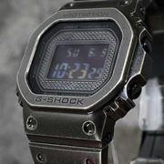 「G-SHOCK」ビンテージ感のあるフルメタルスクエアモデル誕生! ギア感獲得で大満足